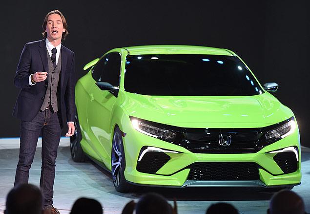 Guy Melville-Brown, chefe de design exterior da Honda, apresenta o novo Civic