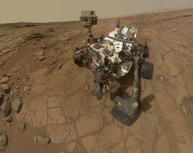Selfie do robô Curiosity, que explora as terras marcianas