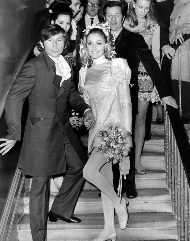 (FILES) This file photo taken on January 20, 1968 shows US Actress Sharon Tate and French Director Roman Polanski standing on the steps at the Chelsea register Office in London, after their wedding. Notorious US killer Charles Manson, who led a California cult that killed pregnant Hollywood star Sharon Tate, died on November 20, 2017 at 83. / AFP PHOTO / STR ORG XMIT: DOC01