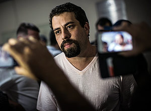 Guilherme Boulos, líder do MTST, no 49º DP – Bruno Santos/Folhapress