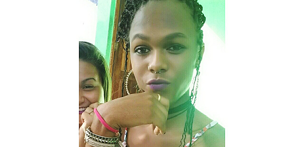A travesti Anna Sophia, 16, morta a tiros em Jo�o Pessoa no s�bado (8) -- https://www.facebook.com/photo.php?fbid=486479465025868&set=ecnf.100009914565009&type=3&theater