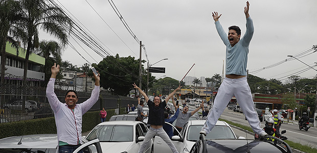 Uber drivers and of other ride-sharing apps protest against proposed regulation of those services by the Brazilian Senate, in Sao Paulo, Brazil