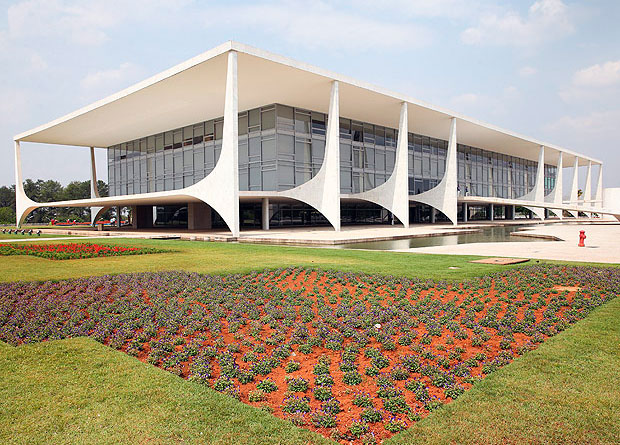 BRASILIA, DF, BRASIL, 21-10-2014: Pal�cio do Planalto � o nome oficial do pal�cio dos despachos da Presid�ncia da Rep�blica. � o local onde est� localizado o Gabinete Presidencial do Brasil. O pr�dio tamb�m abriga a Casa Civil, a Secretaria-Geral e o Gabinete de Seguran�a Institucional da Presid�ncia da Rep�blica. (Foto: Sergio Lima Folhapress - PODER)