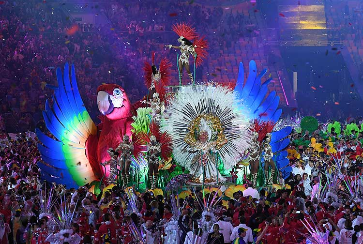 Rio Celebrates in Carnival Style the Passing of the 'Marvelous Games'