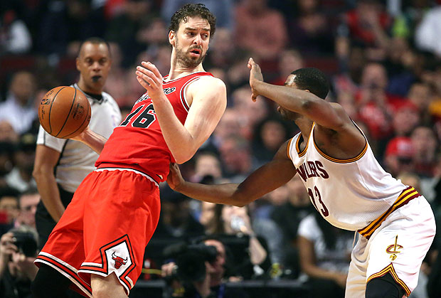 Apr 9, 2016; Chicago, IL, USA; Chicago Bulls center Pau Gasol (16) backs down Cleveland Cavaliers center Tristan Thompson (13) during the second half at the United Center. Chicago won 105-102. Mandatory Credit: Dennis Wierzbicki-USA TODAY Sports ORG XMIT: USATSI-233676