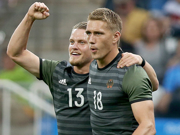 2016 Rio Olympics - Soccer - Semifinal - Men's Football Tournament Semifinal Nigeria v Germany - Corinthians Arena - Sao Paulo, Brazil - 17/08/2016. Philipp Max (GER) of Germany and Nils Petersen (GER) of Germany celebrate the goal scored by Nils Petersen (GER) of Germany against Nigeria. REUTERS/Fernando Donasci FOR EDITORIAL USE ONLY. NOT FOR SALE FOR MARKETING OR ADVERTISING CAMPAIGNS. ORG XMIT: STE1860