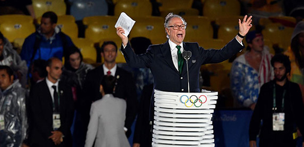 The president of the Olympic Committee of Brazil and Rio 2016 Organising Committee for the Olympic Games, Carlos Arthur Nuzman delivers a speech during the closing ceremony of the Rio 2016 Olympic Games at the Maracana stadium in Rio de Janeiro on August 21, 2016. / AFP PHOTO / Fabrice COFFRINI