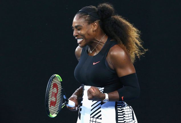 A tenista americana Serena Williams,35, comemora durante final do Australian Open neste s�bado (28)