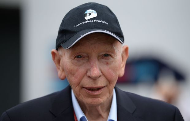 John Surtees no paddock do GP da Inglaterra de 2016