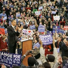 Supporters cheer after Democratic presidential hopeful Sen. Barack Obama D-Ill., speaks at a rally, Saturday Jan. 5, 2008, in Nashua, N.H. (AP Photo/M. Spencer Green)