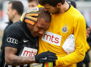 "Racist Abuse during Soccer Game in Serbia Leads Brazilian Soccer Star to Shed ""Tears of Anger"""