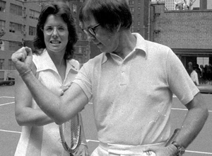 "Bobby Riggs e Jean King posam para foto antes da ""batalha dos sexos"" – Associated Press"