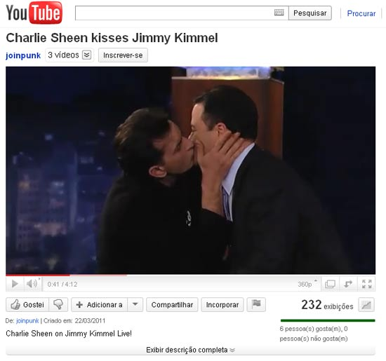 Charlie Sheen beija Jimmy Kimmel ao vivo