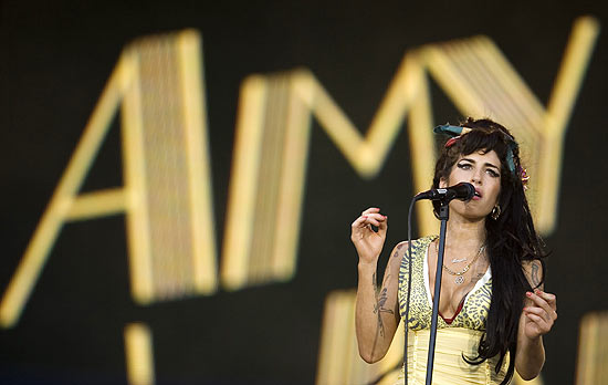 Cantora Amy Winehouse se apresenta durante festival Rock in Rio Madri em julho de 2008