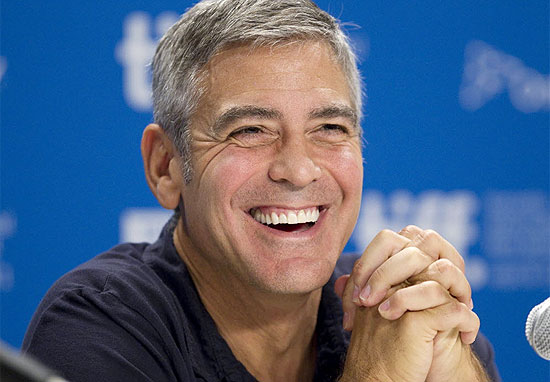 "George Clooney durante coletiva de imprensa do filme ""The Descendants"" no Festival de Toronto"