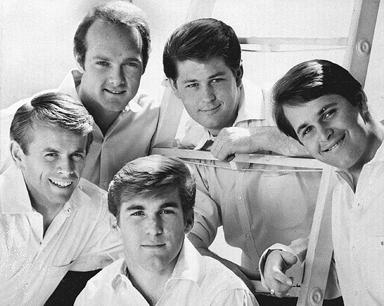 Integrantes do grupo norte-americano Beach Boys, em 1966