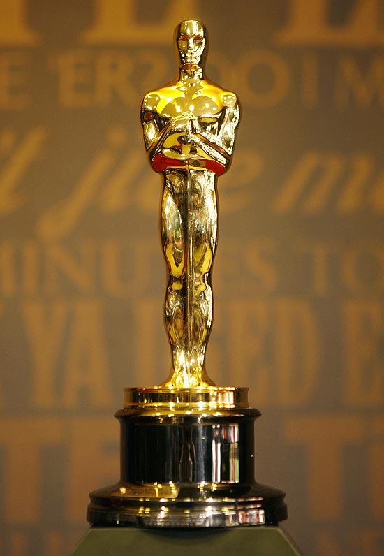 Simbolo De Cine 3d Para La Interfaz 49235 additionally Olly Moss Oscars Tribute Poster Best Film Academy Award Winner 1927 additionally Party Like A Movie Star likewise 109450 Vector Realistic Golden Oscar Statue Background as well Awards And Honors. on oscar statue with film