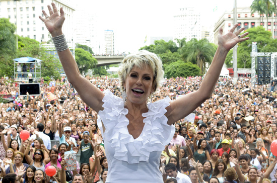 "Ana Maria Braga durante especial do ""Mais Voc�"" no Vale do Anhagaba�, em SP"