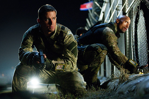 "Channing Tatum (esq.) e Dwayne Johnson em cena do novo filme da franquia ""G.I. Joe - - Retalia��o"""