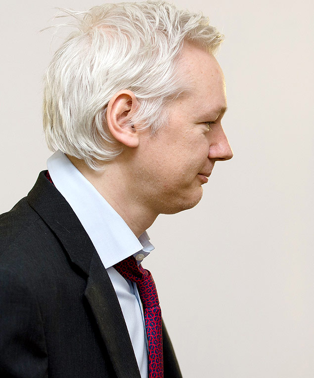 Assange na embaixada do Equador em Londres