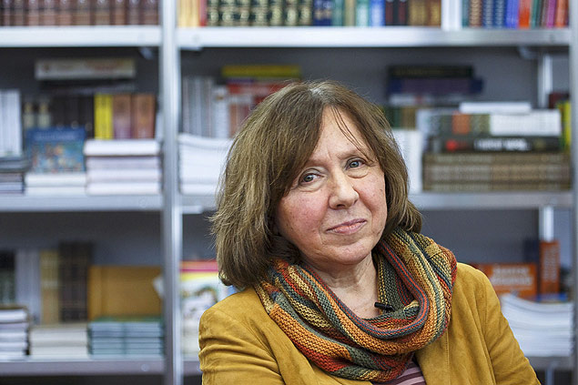 Belarussian writer Svetlana Alexievich is seen during a book fair in Minsk, Belarus, in this February 8, 2014 file photo. Alexievich won the 2015 Nobel Prize for Literature, the award-giving body announced on October 8, 2015. REUTERS/Stringer/Files TPX IMAGES OF THE DAY ORG XMIT: GDY386