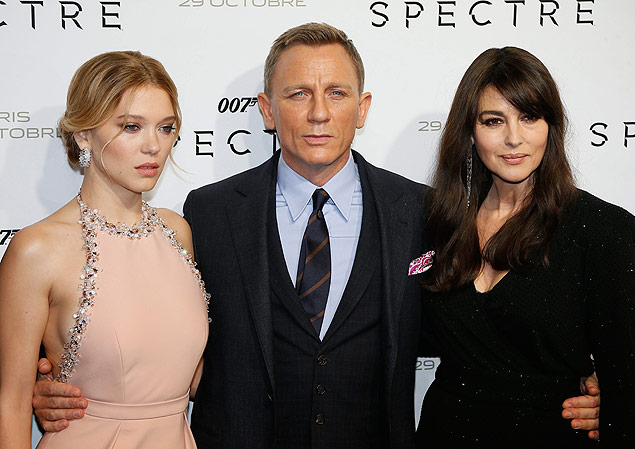 Daniel Craig com as bond girls Lea Seydoux e Monica Bellucci