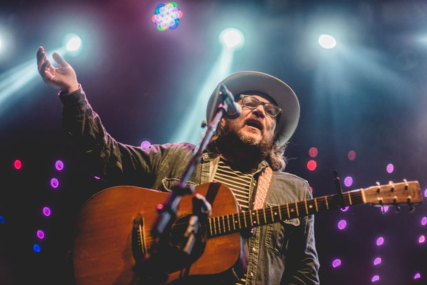 Jeff Tweedy durante show do Wilco no Circo Voador, no Rio