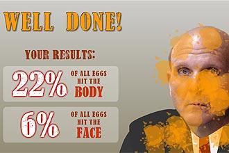 Jogo testa pontaria do usuário ou a capacidade de escapar do ataque de ovos; ataque e defesa no rosto valem mais pontos