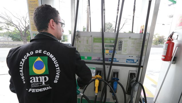 Procon and ANP inspect price and quality at fuel station