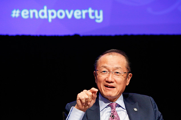"World Bank President Jim Yong Kim speaks on a panel titled ""Building Shared Prosperity in an Unequal World"" during the IMF-World Bank annual meetings in Washington October 8, 2014. REUTERS/Jonathan Ernst (UNITED STATES - Tags: POLITICS BUSINESS HEADSHOT) ORG XMIT: WAS919"