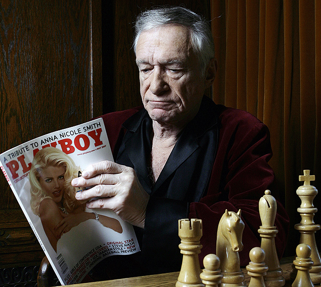 ORG XMIT: 464901_1.tif Hugh Hefner poses at the Playboy Mansion in Los Angeles on Thursday April 5,2007. Hugh Hefner's Playboy will offer three upcoming Smith tributes: a 10-page pictorial in the magazine's May issue, an hour long retrospective on the Playboy Channel and an online memorial on Playboy.com. (AP Photo/Damian Dovarganes)