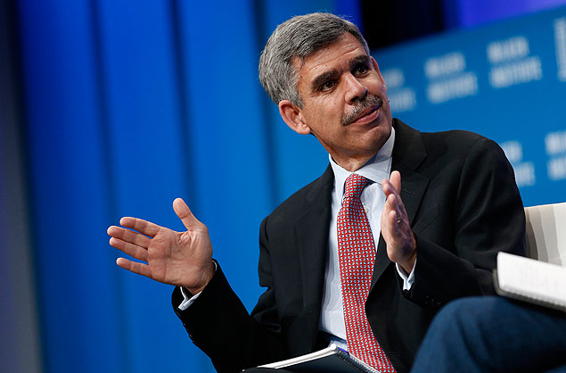 Mohamed El-Erian, chief economic advisor at Allianz SE, speaks during the annual Milken Institute Global Conference in Beverly Hills, California, U.S., on Monday, April 27, 2015. The conference brings together hundreds of chief executive officers, senior government officials and leading figures in the global capital markets for discussions on social, political and economic challenges. Photographer: Patrick T. Fallon/Bloomberg via Getty Images ****FOTO COM CUSTO PARA MERCADO ***** ***DIREITOS RESERVADOS. NÃO PUBLICAR SEM AUTORIZAÇÃO DO DETENTOR DOS DIREITOS AUTORAIS E DE IMAGEM***