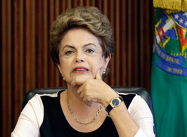 Brazil's President Dilma Rousseff reacts during a meeting with jurists defending her against impeachment at the Planalto Palace in Brasilia, Brazil December 7, 2015. REUTERS/Ueslei Marcelino ORG XMIT: BSB02