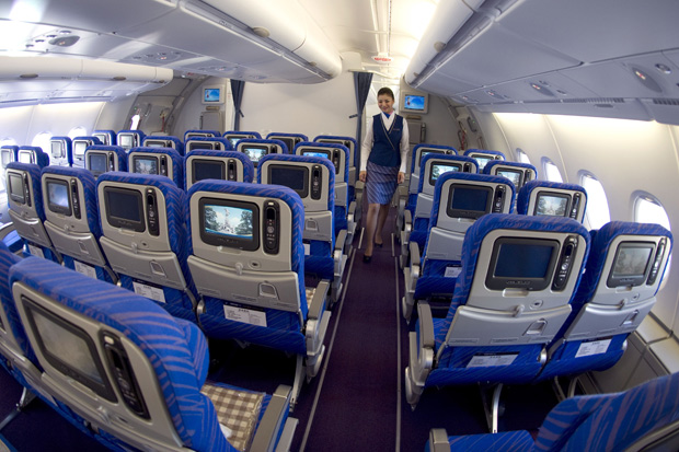 ORG XMIT: PP676 View of the cabin of China Southern Airlines new Airbus A380 taken on October 14, 2011 at the Airbus delivery center in Colomiers, southwestern France. The airline is the seventh company in the world to use this superjumbo airliner. AFP PHOTO/ PASCAL PAVANI