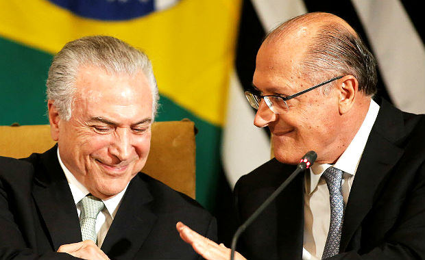 Brazil's President Michel Temer (L) and Sao Paulo Governor Geraldo Alckmin are pictured during the Brazil-Sweden Business Council at Bandeirantes Palace in Sao Paulo, Brazil, April 3, 2017. REUTERS/Nacho Doce ORG XMIT: NAC11