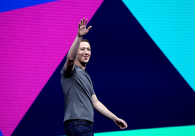 SAN JOSE, CA - APRIL 18: Facebook CEO Mark Zuckerberg delivers the keynote address at Facebook's F8 Developer Conference on April 18, 2017 at McEnery Convention Center in San Jose, California. The conference will explore Facebook's new technology initiatives and products. Justin Sullivan/Getty Images/AFP == FOR NEWSPAPERS, INTERNET, TELCOS & TELEVISION USE ONLY ==