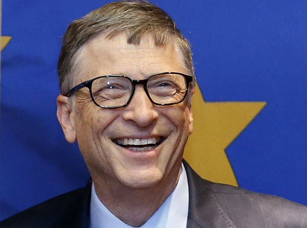O fundador da Microsoft Bill Gates, na sede da Comiss�o Europeia, em Bruxelas (B�lgica). *** Microsoft founder Bill Gates is seen at the EU Commission headquarters in Brussels, in this file photo taken January 22, 2015. Gates stands atop Forbes magazine's annual list of the world's richest people, as Facebook Inc's Mark Zuckerberg joined the top 20 and basketball star Michael Jordan plowed new air by making the list for the first time. REUTERS/Francois Lenoir/Files (BELGIUM - Tags: BUSINESS MEDIA) ORG XMIT: TOR902