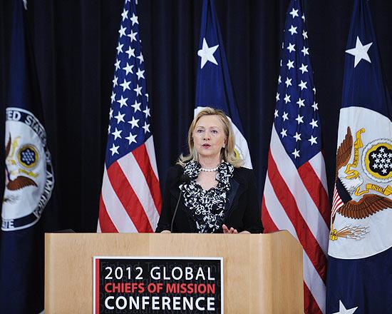 Hillary Clinton, na Conferência Global de Chefes de Missão, em Washington, nesta terça-feira