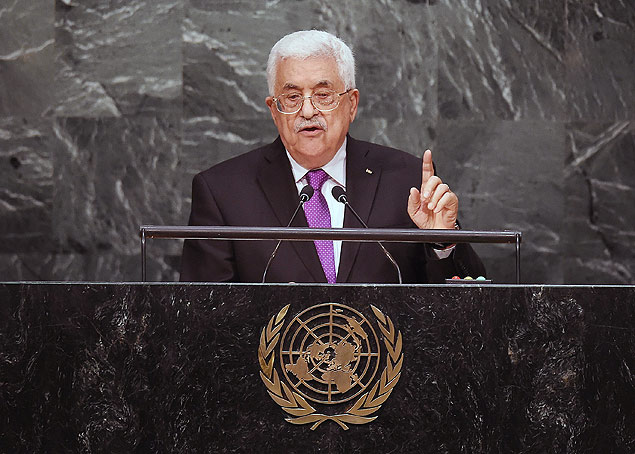 TOPSHOTS Palestinian Authority president Mahmoud Abbas addresses the 70th Session of the United Nations General Assembly at the UN in New York on September 30, 2015. AFP PHOTO/JEWEL SAMAD ORG XMIT: JS2891