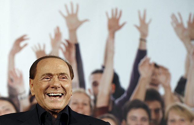 Forza Italia party (PDL) leader Silvio Berlusconi speaks during a Northern League rally in Bologna, central Italy, November 8, 2015. The Northern League, Italy's third largest political force, is planning a major rally to voice its opposition to the government of Prime Minister Matteo Renzi. REUTERS/Stefano Rellandini ORG XMIT: SRE111