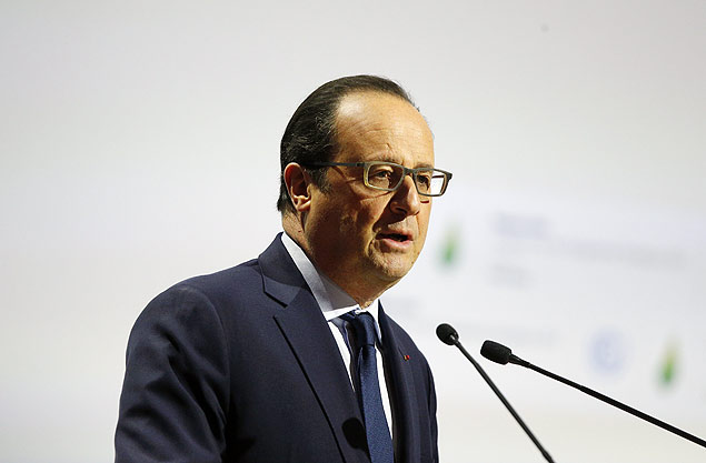 French President Francois Hollande delivers his speech at the opening ceremony of the COP21, United Nations Climate Change Conference, in Le Bourget, outside Paris, Monday, Nov. 30, 2015. (AP Photo/Thibault Camus, Pool) ORG XMIT: XTC104