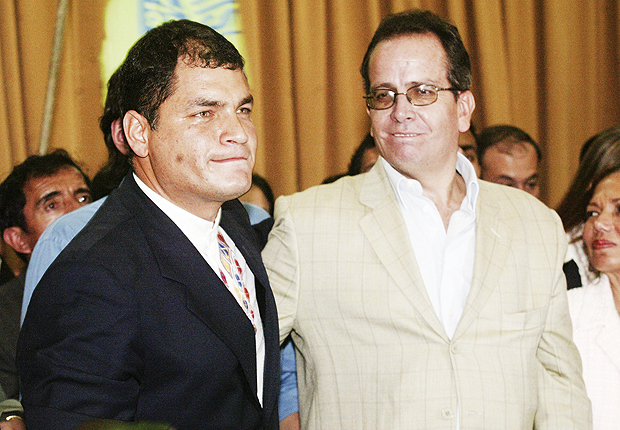 ORG XMIT: 211601_0.tif Ecuador's President Rafael Correa (L) stands next to former Energy and Mines Minister Alberto Acosta as he presents his candidates for the Constituent Assembly to the public in Quito June 15, 2007. Acosta resigned on Thursday to help Correa push constitutional changes through a new assembly, which will be elected in September. REUTERS/Angelo Chamba (ECUADOR)