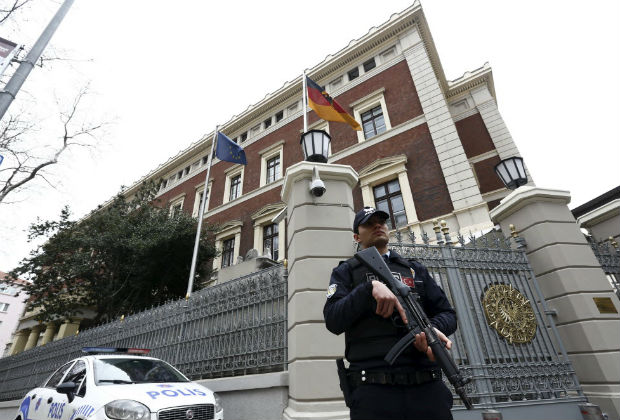 police officer stands guard in front of the German Consulate, which is closed on indications of a possible imminent attack, in Istanbul, Turkey March 17, 2016. REUTERS/Murad Sezer ORG XMIT: IST11
