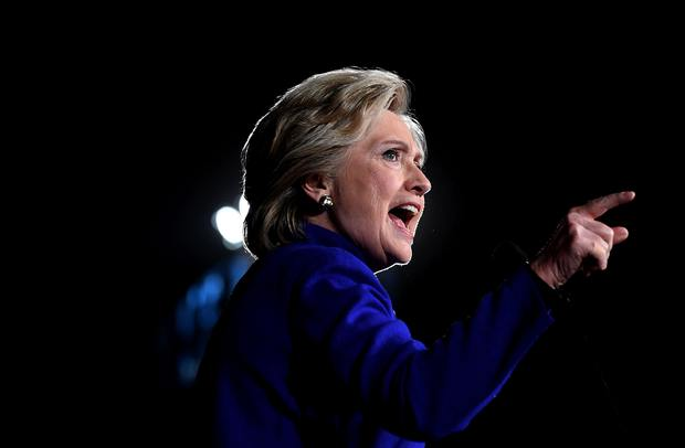 US Democratic presidential nominee Hillary Clinton speaks during a campaign rally in Tempe, Arizona, on November 2, 2016. / AFP PHOTO / JEWEL SAMAD