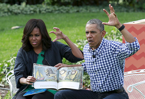 FILE PHOTO - U.S. President Barack Obama and first lady Michelle Obama perform a reading of the children's book 'Where the Wild Things Are' for children gathered for the annual White House Easter Egg Roll on the South Lawn of the White House in Washington, March 28, 2016. REUTERS/Yuri Gripas/File Photo REUTERS PICTURES OF THE YEAR 2016 - SEARCH 'POY 2016' TO FIND ALL IMAGES ORG XMIT: POY016