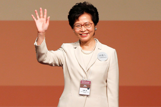 Carrie Lam waves after she won the election for Hong Kong's Chief Executive in Hong Kong, China March 26, 2017. REUTERS/Bobby Yip ORG XMIT: DSH33
