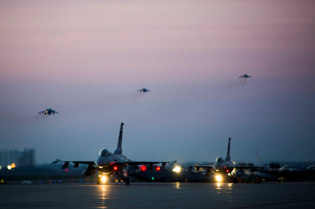 U.S. Air Force F-16 Fighting Falcons taxi down the runway as U.S. Marine Corps AV-8B Harriers take off during Exercise MAX THUNDER 17 at Kunsan Air Base, South Korea, April 26, 2017. Picture taken April 26, 2017. U.S. Marine Corps/Lance Cpl. Carlos Jimenez/Handout via REUTERS FOR EDITORIAL USE ONLY. NOT FOR SALE FOR MARKETING OR ADVERTISING CAMPAIGNSTHIS IMAGE HAS BEEN SUPPLIED BY A THIRD PARTY. IT IS DISTRIBUTED, EXACTLY AS RECEIVED BY REUTERS, AS A SERVICE TO CLIENTS ORG XMIT: TOR508