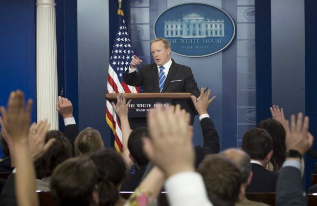 White House Press Secretary Sean Spicer holds a daily press briefing in the Brady Press Briefing Room at the White House in Washington, DC, May 15, 2017. / AFP PHOTO / SAUL LOEB ORG XMIT: SAL036