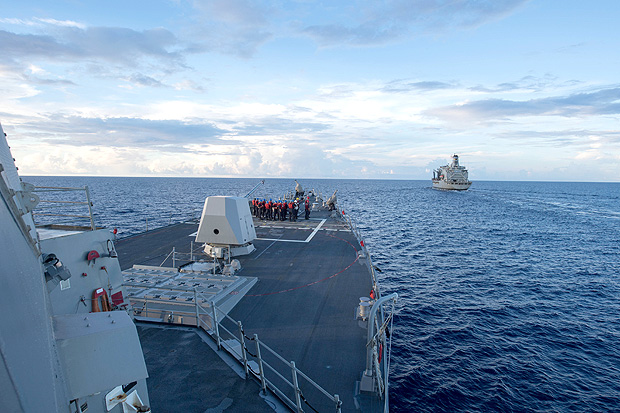 The Arleigh Burke-class guided-missile destroyer USS Dewey prepares for a replenishment-at-sea in the South China Sea May 19, 2017. Picture taken May 19, 2017. Kryzentia Weiermann/Courtesy U.S. Navy/Handout via REUTERS ATTENTION EDITORS - THIS IMAGE WAS PROVIDED BY A THIRD PARTY. EDITORIAL USE ONLY. ORG XMIT: SIN02