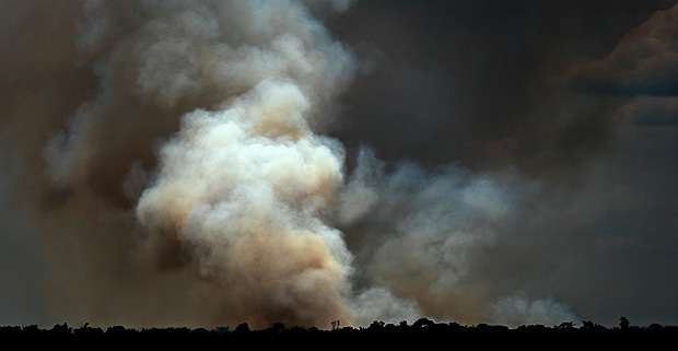 Smoke plume from a mega-fire during the 2015 drought in Eastern Amazonia